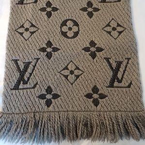 Louis Vuitton Logomania Wool Silk Grey Scarf